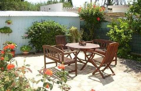 Salon de jardin en bois : comment le choisir et l\'entretenir ...