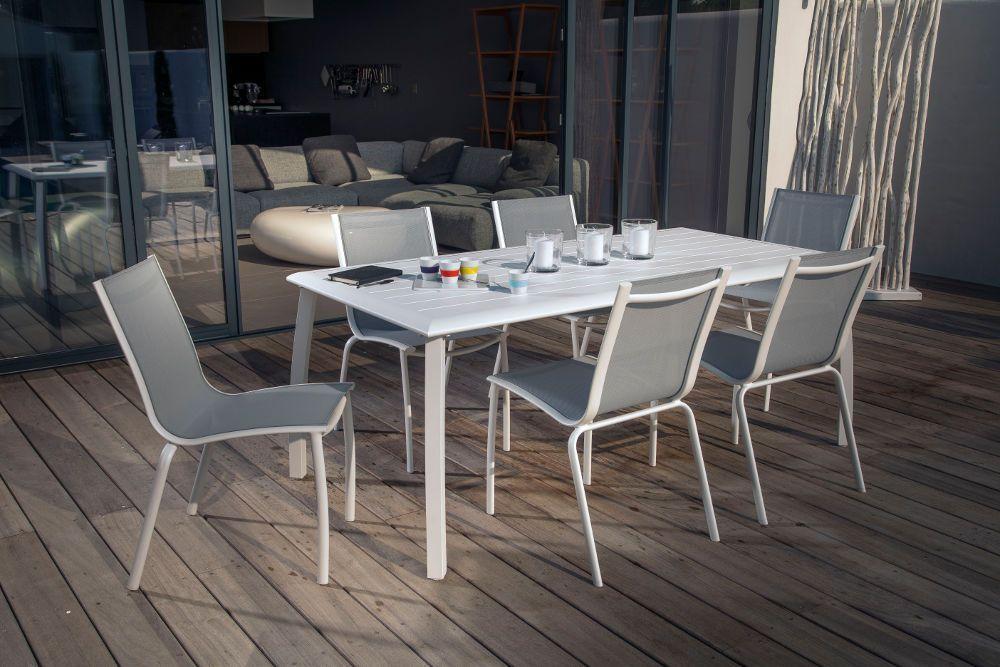 Salon de jardin 6 places azuro blanc en aluminium et textil�ne