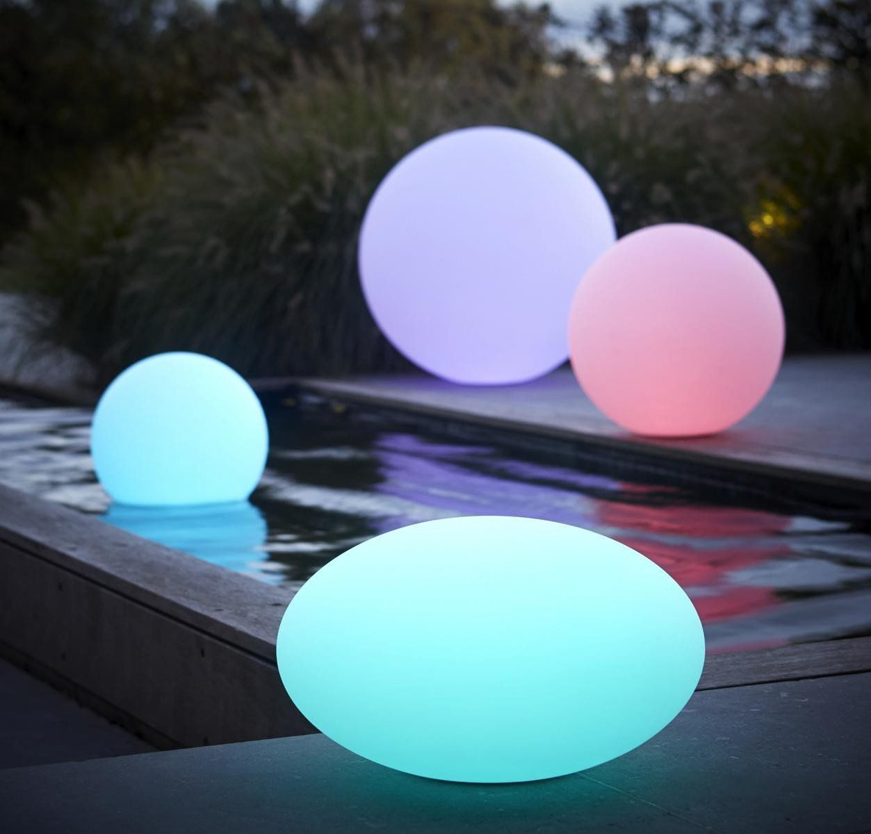 boule lumineuse led 7 couleurs 60 cm. Black Bedroom Furniture Sets. Home Design Ideas