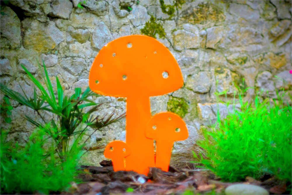 Champignon déco en métal orange (15cm)