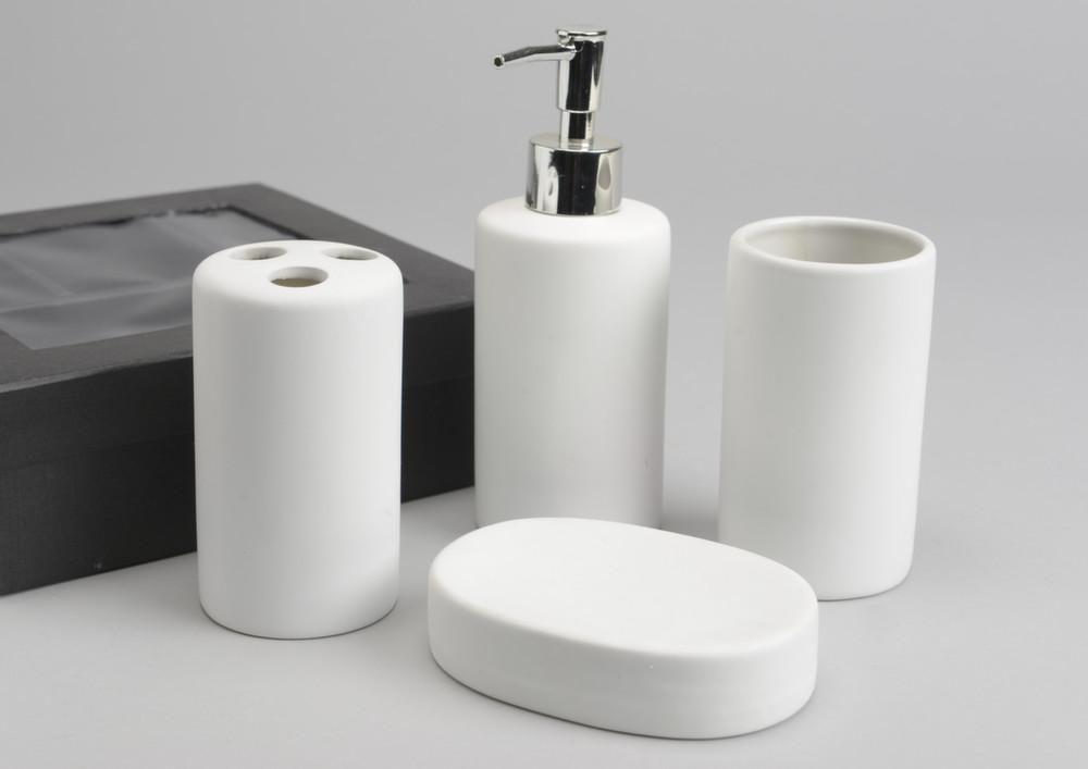 Coffret accessoires de salle de bain elsa for Accessoires lavabo salle bain