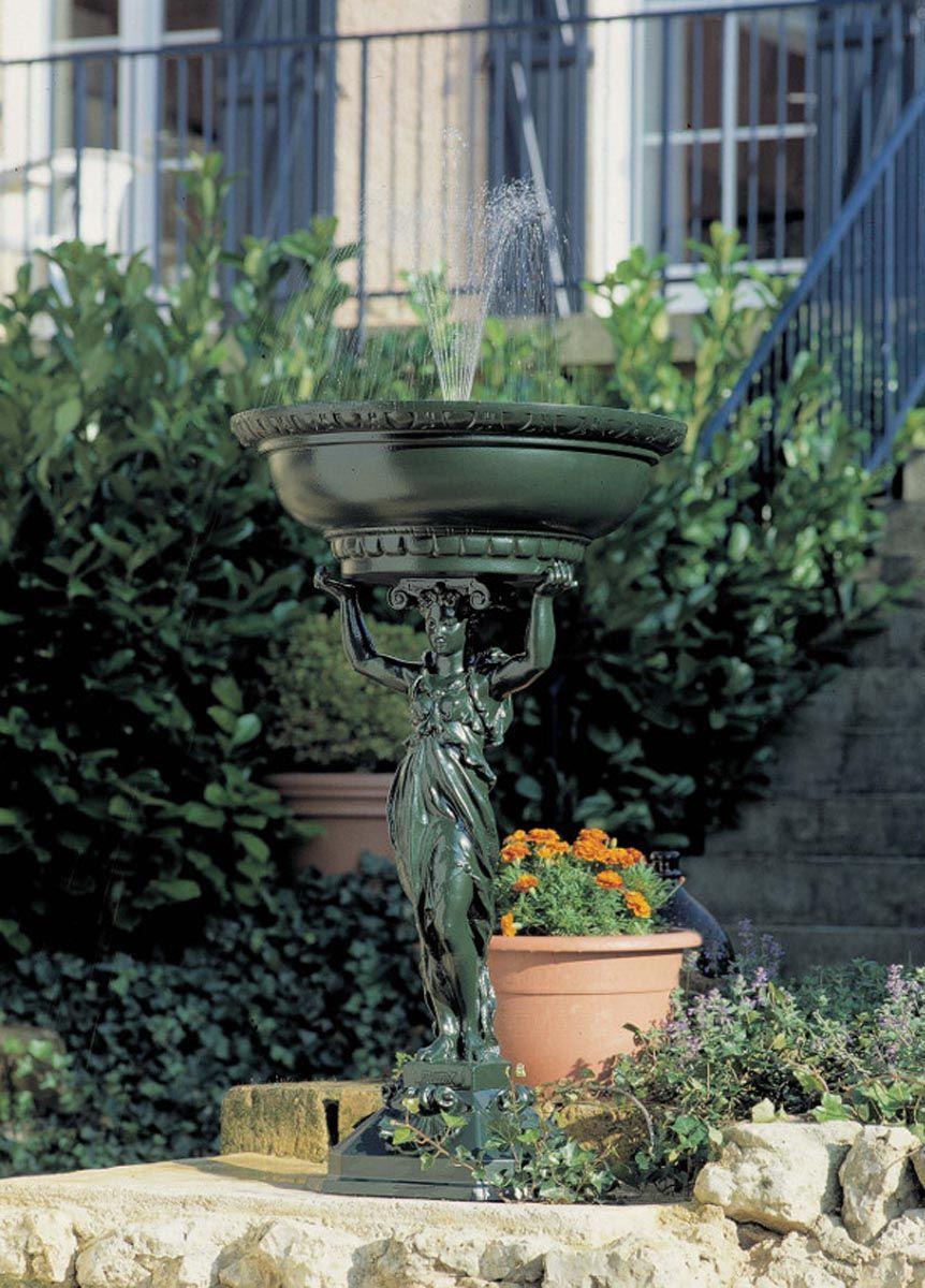 Fontaine de jardin cariatide