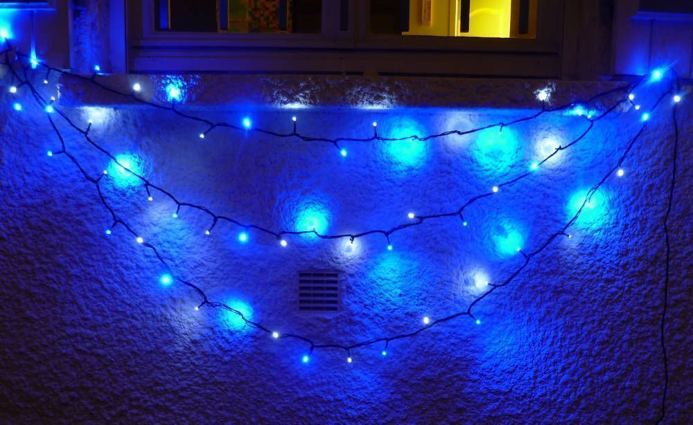image_Guirlande solaire 30 Leds Blanches 30 Leds Bleues � clignotements