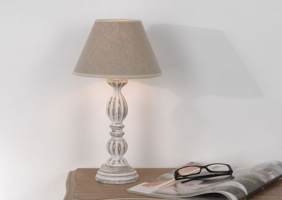 lampe classique agn s en bois. Black Bedroom Furniture Sets. Home Design Ideas