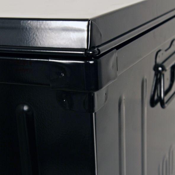 malle habitat en acier 130 litres. Black Bedroom Furniture Sets. Home Design Ideas