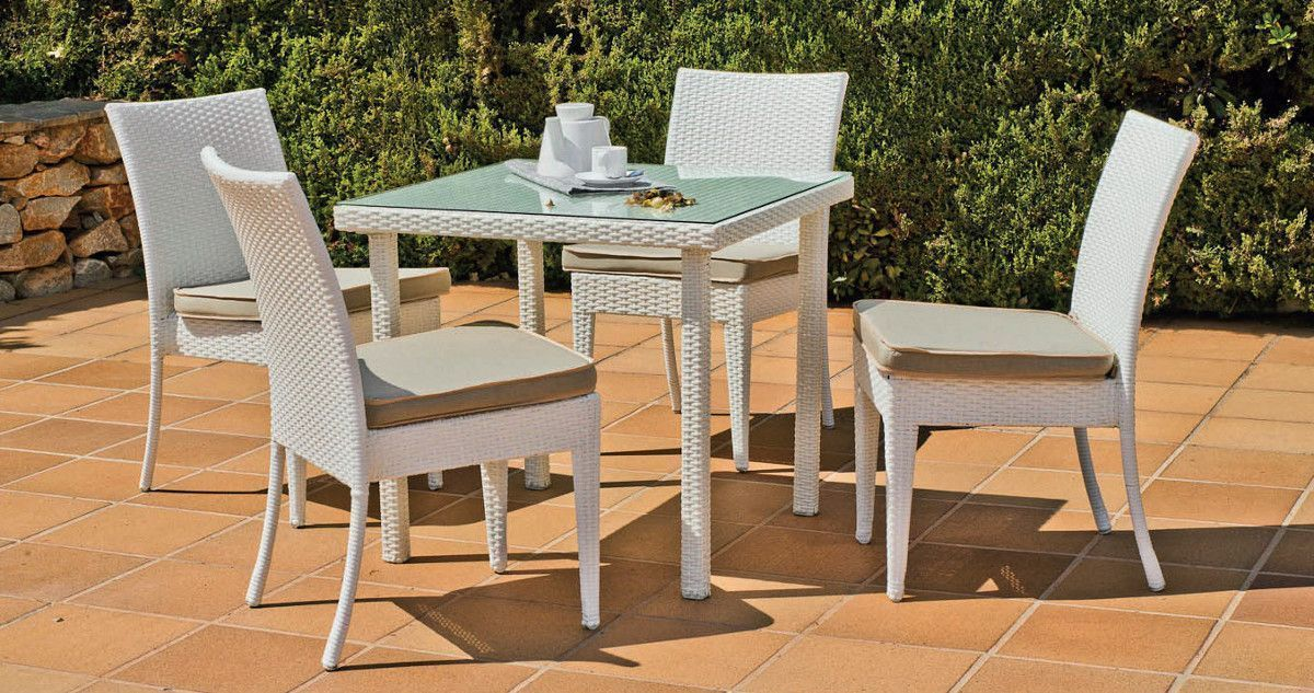 petite table repas et fauteuils villalba