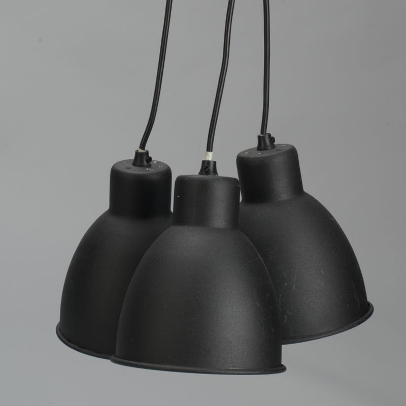Suspension 3 lampes en m tal noir for Suspension luminaire 3 lampes