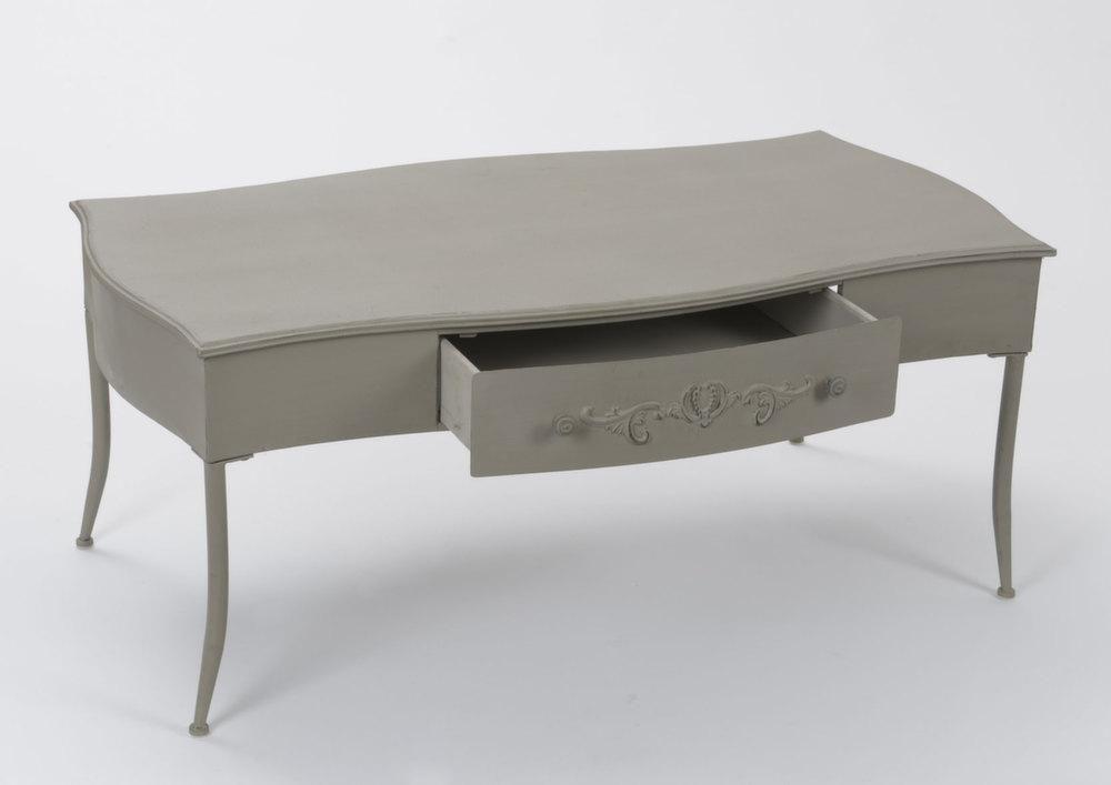 table basse ancienne embosse. Black Bedroom Furniture Sets. Home Design Ideas