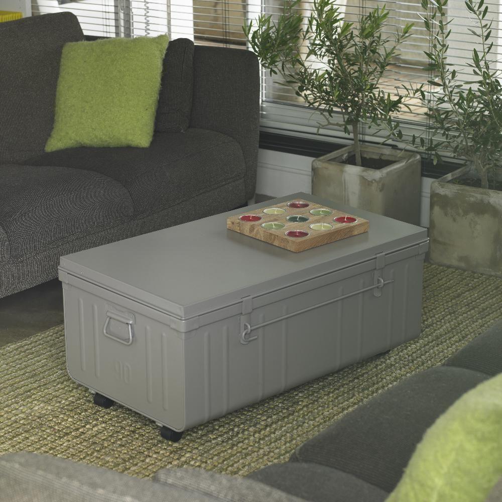 table basse malle en m tal alu. Black Bedroom Furniture Sets. Home Design Ideas