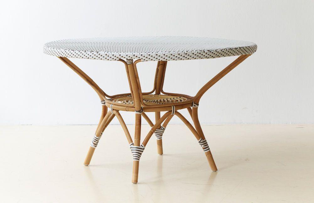 Table de jardin en rotin danielle blanc dominant for Table en rotin blanc