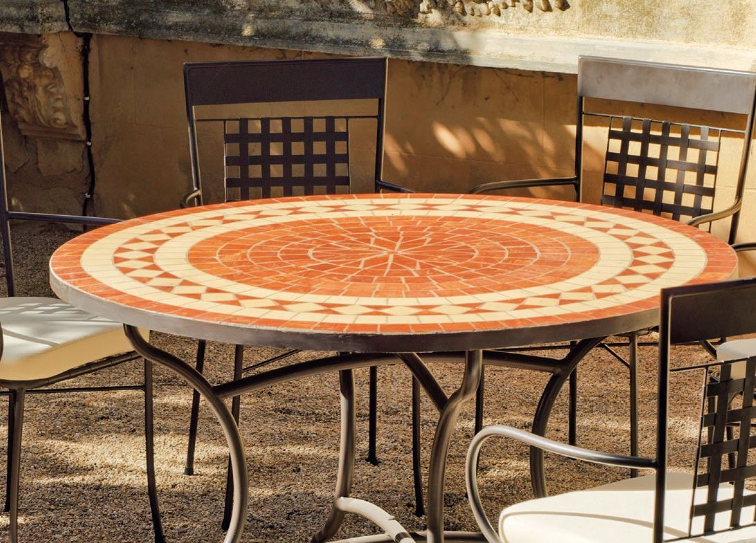 table de jardin ronde et fauteuils lorny vigo 6 fauteuils. Black Bedroom Furniture Sets. Home Design Ideas