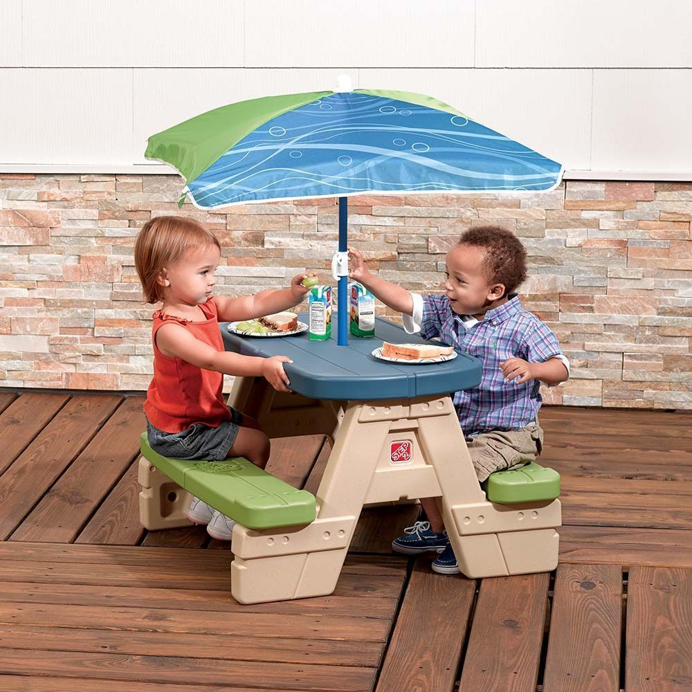 table de pique nique en plastique pour enfants avec parasol. Black Bedroom Furniture Sets. Home Design Ideas