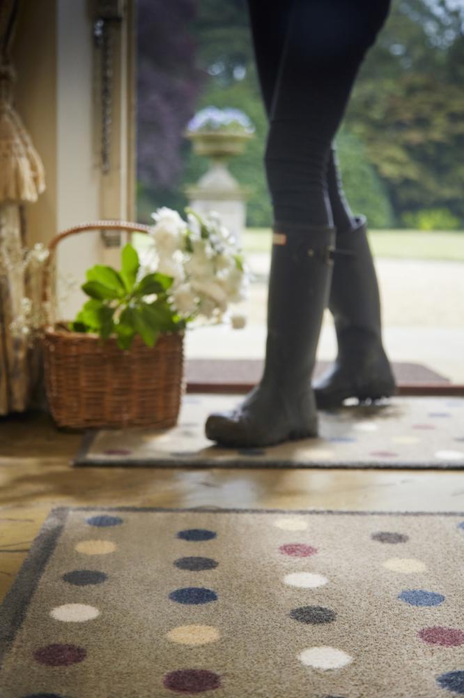 tapis en fibres naturelles pois 65x150 cm. Black Bedroom Furniture Sets. Home Design Ideas