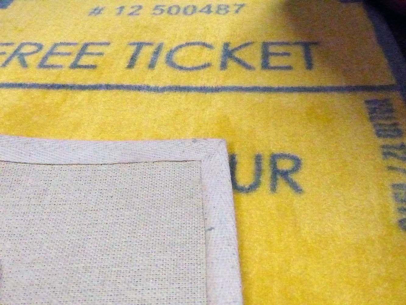 tapis jaune et gris nyc. Black Bedroom Furniture Sets. Home Design Ideas