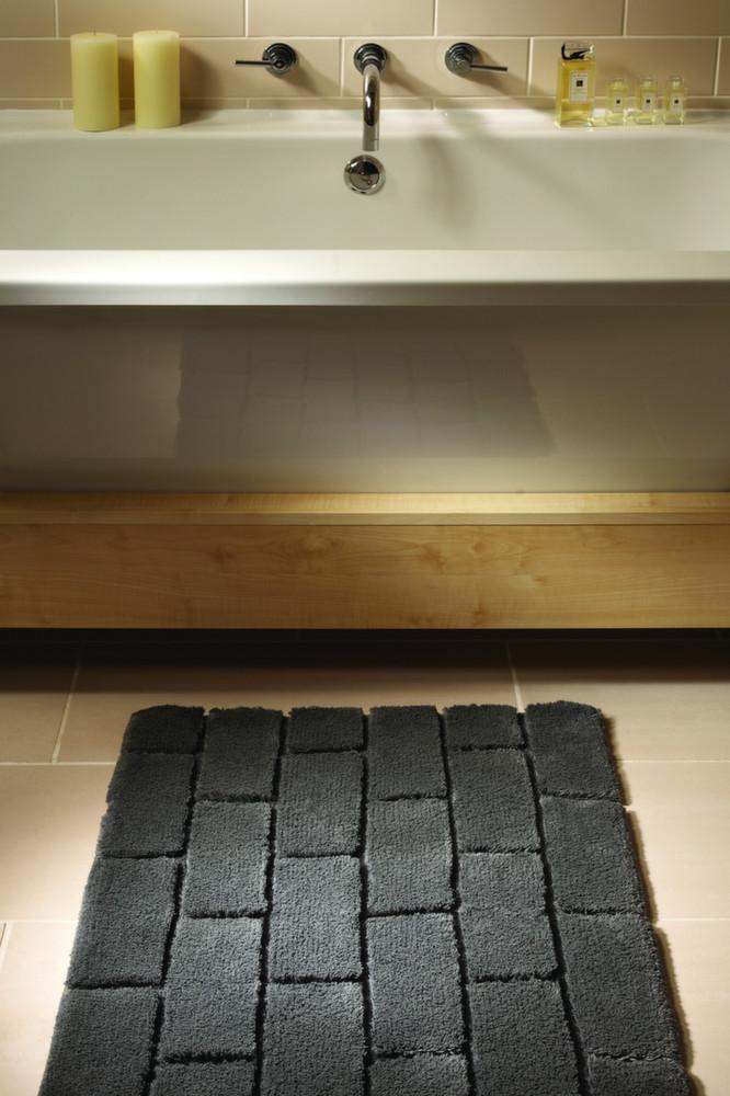 tapis de salle de bain en fibres de bambou. Black Bedroom Furniture Sets. Home Design Ideas