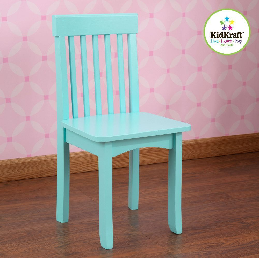 Chaise bleue ciel en bois pour enfant 34x32x68cm