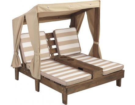 cabane pour enfants avec table repas en bois. Black Bedroom Furniture Sets. Home Design Ideas