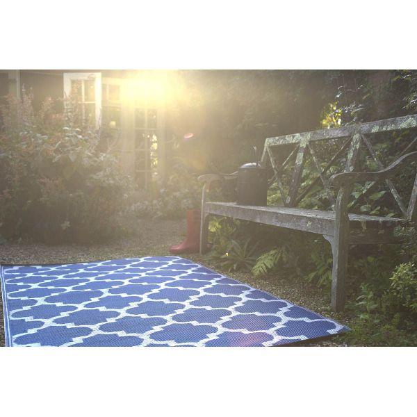 tapis int rieur ext rieur tangier bleu et blanc 270 x 180 cm. Black Bedroom Furniture Sets. Home Design Ideas