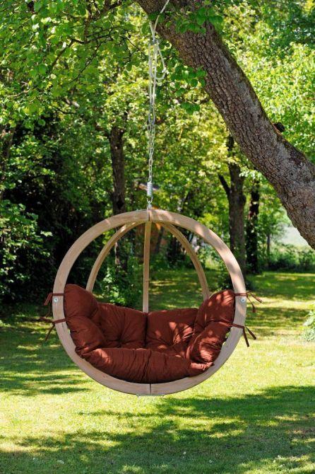 chaise globo suspendre avec coussin terracota. Black Bedroom Furniture Sets. Home Design Ideas