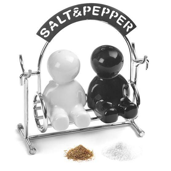 Salière et poivrière en Céramique Couple sur balançoire 11,3x5x13cm