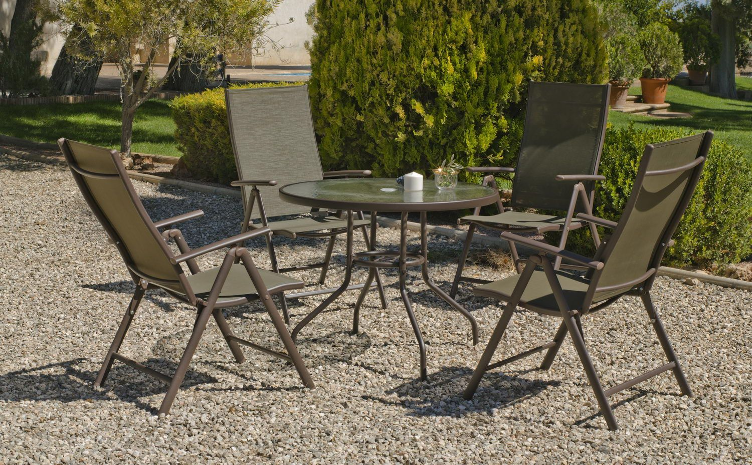 Table ronde fauteuils for Table de jardin ronde en fer